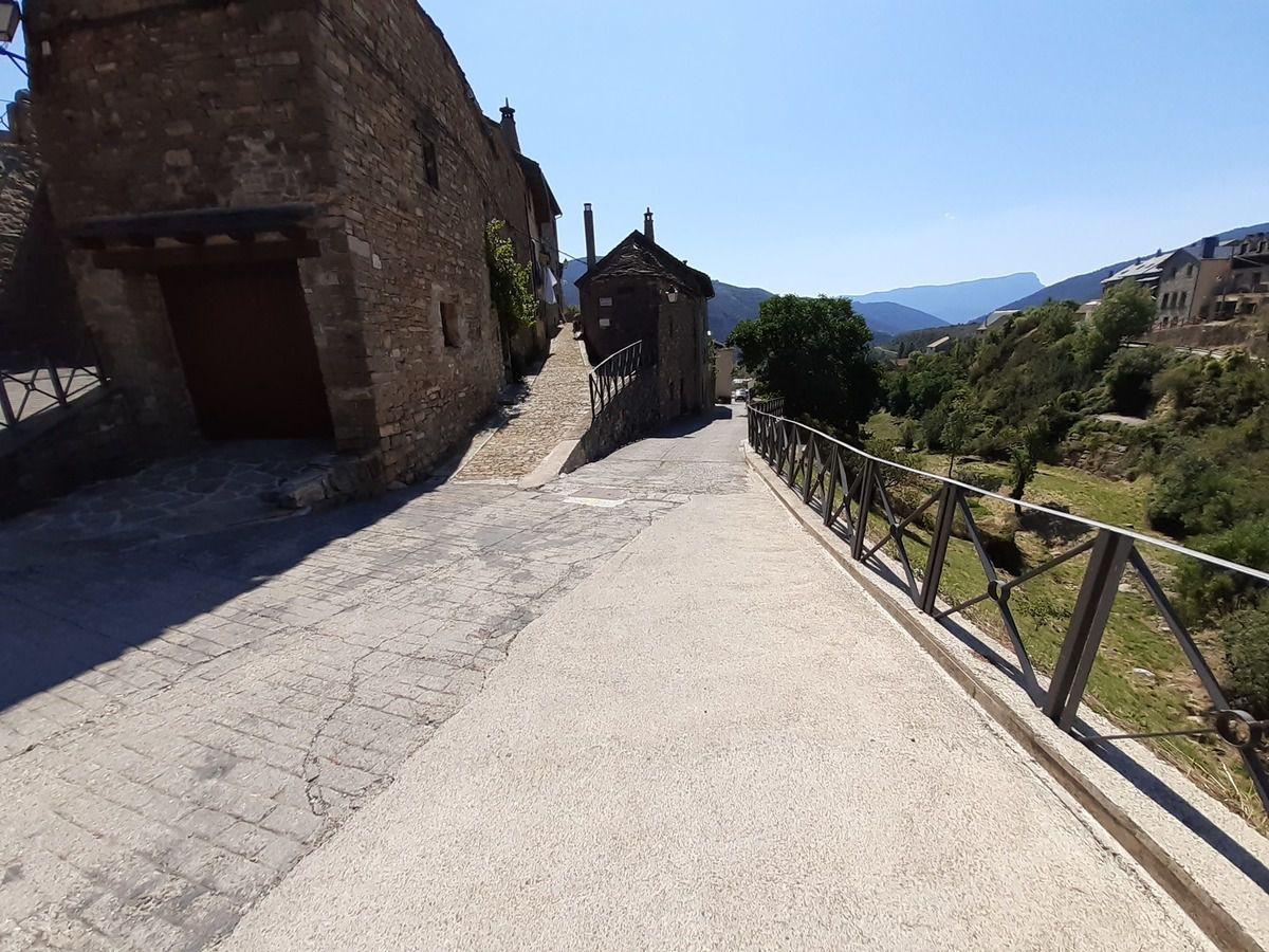 Suite du chemin et ses difficultés ,plus bouchon sur le Camino Arangonés