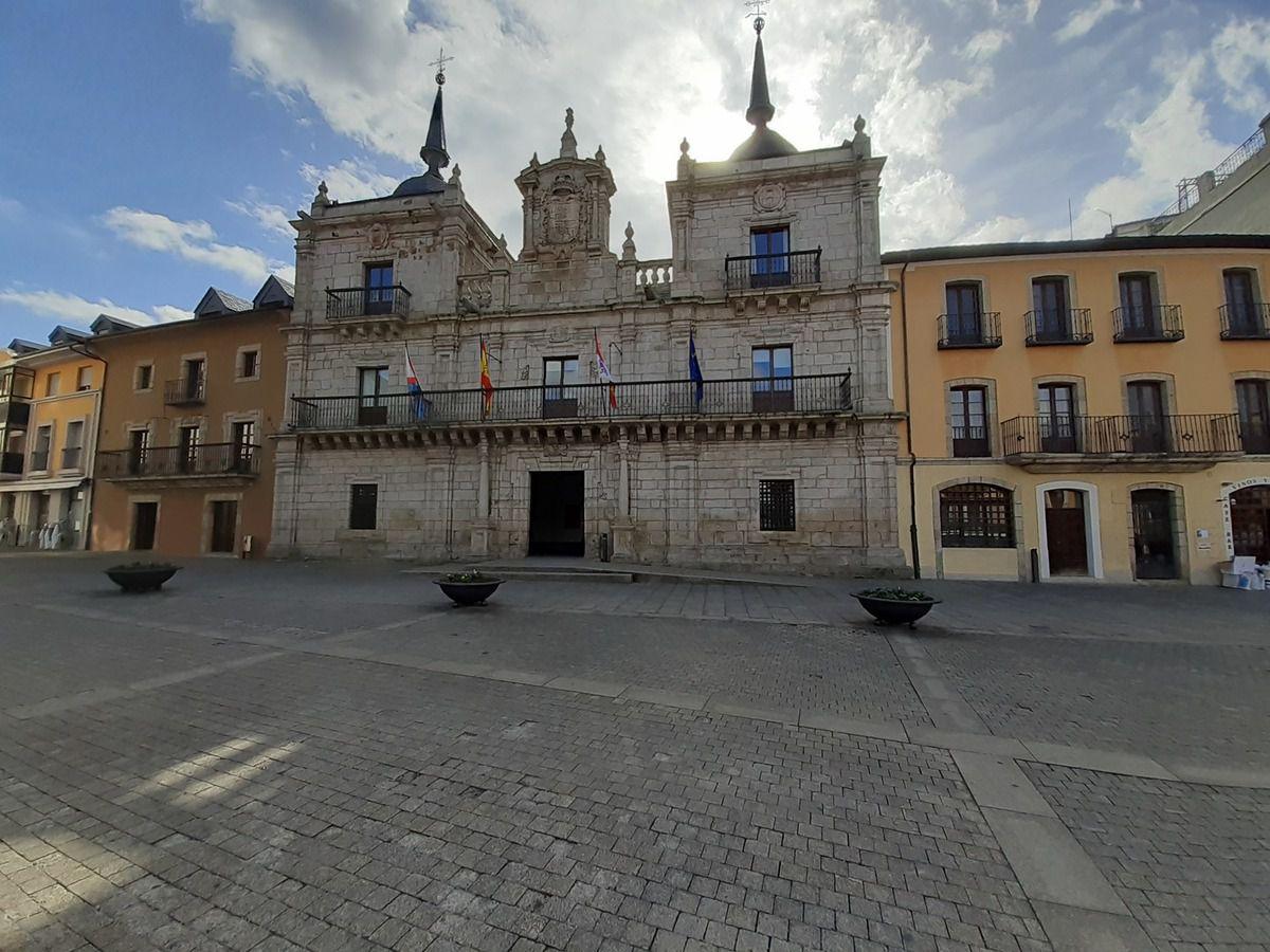 Entrée  dans Ponferrada et la ville