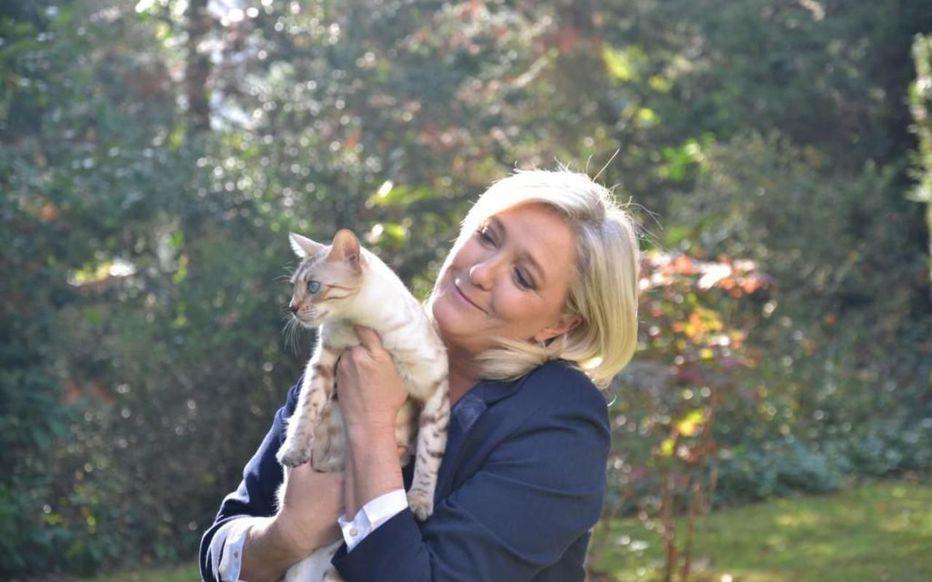 Marine Le Pen et son chat