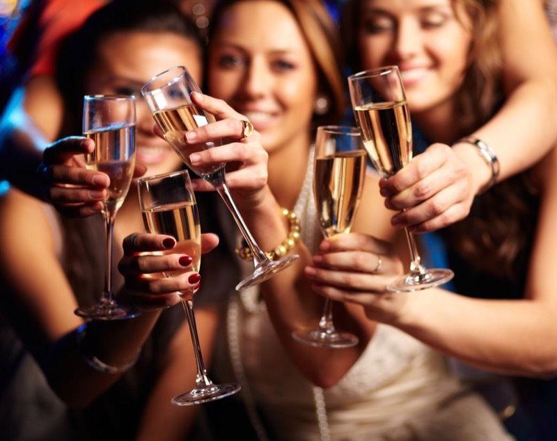 Champagne pour célébrer une bonne nouvelle