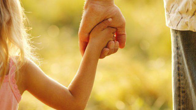 Donner la main