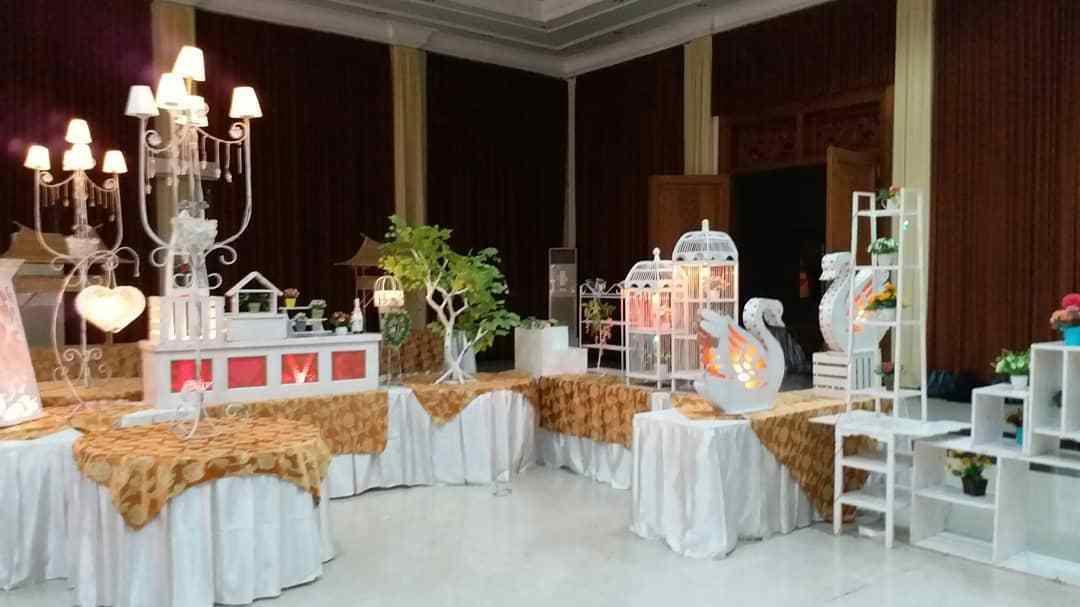 Berkah Catering - Gedung Astoria Mojokerto (0811-3169-666)