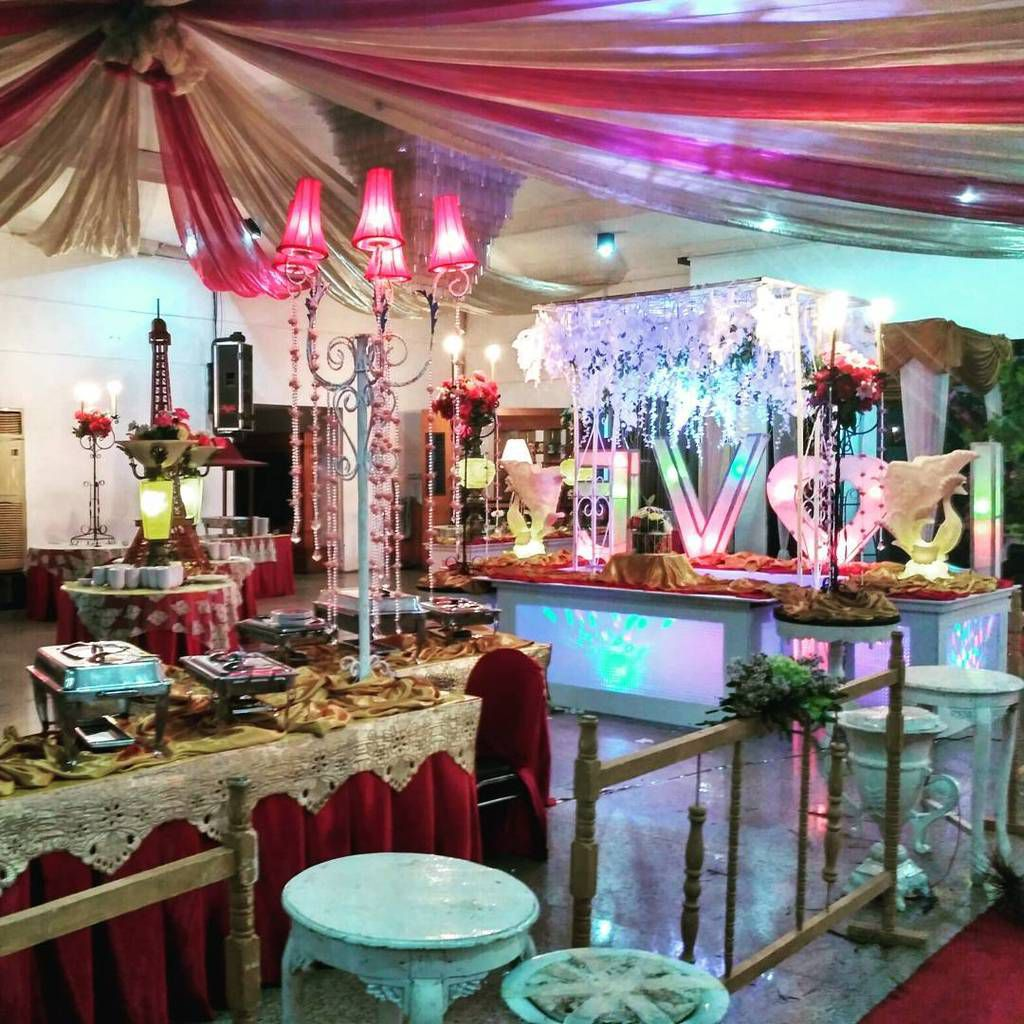 Berkah Catering - Flaminggo Resto Surabaya (0811-3169-666)