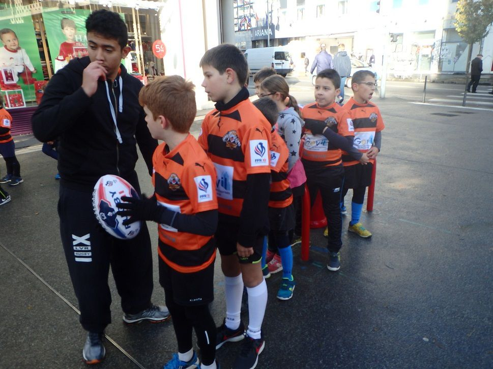 Rayan met en place l'animation Rugby