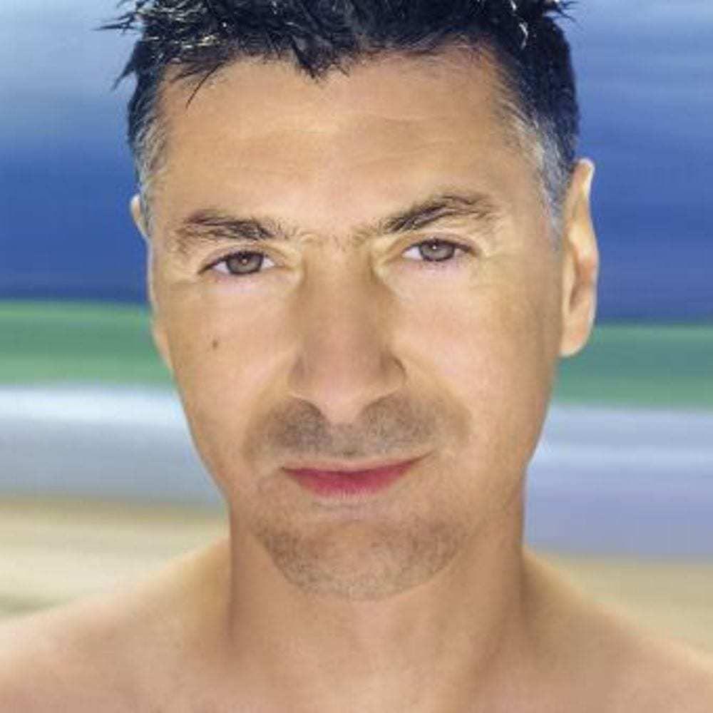 Etienne Daho, 40 ans de carrière, du jeune homme moderne au parrain de la French pop