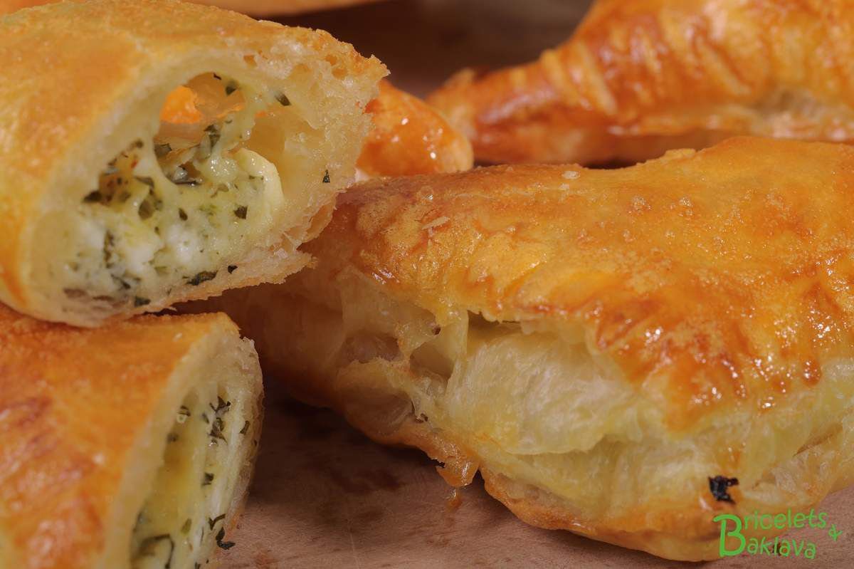 Beurek au fromage avec pâte feuilletée