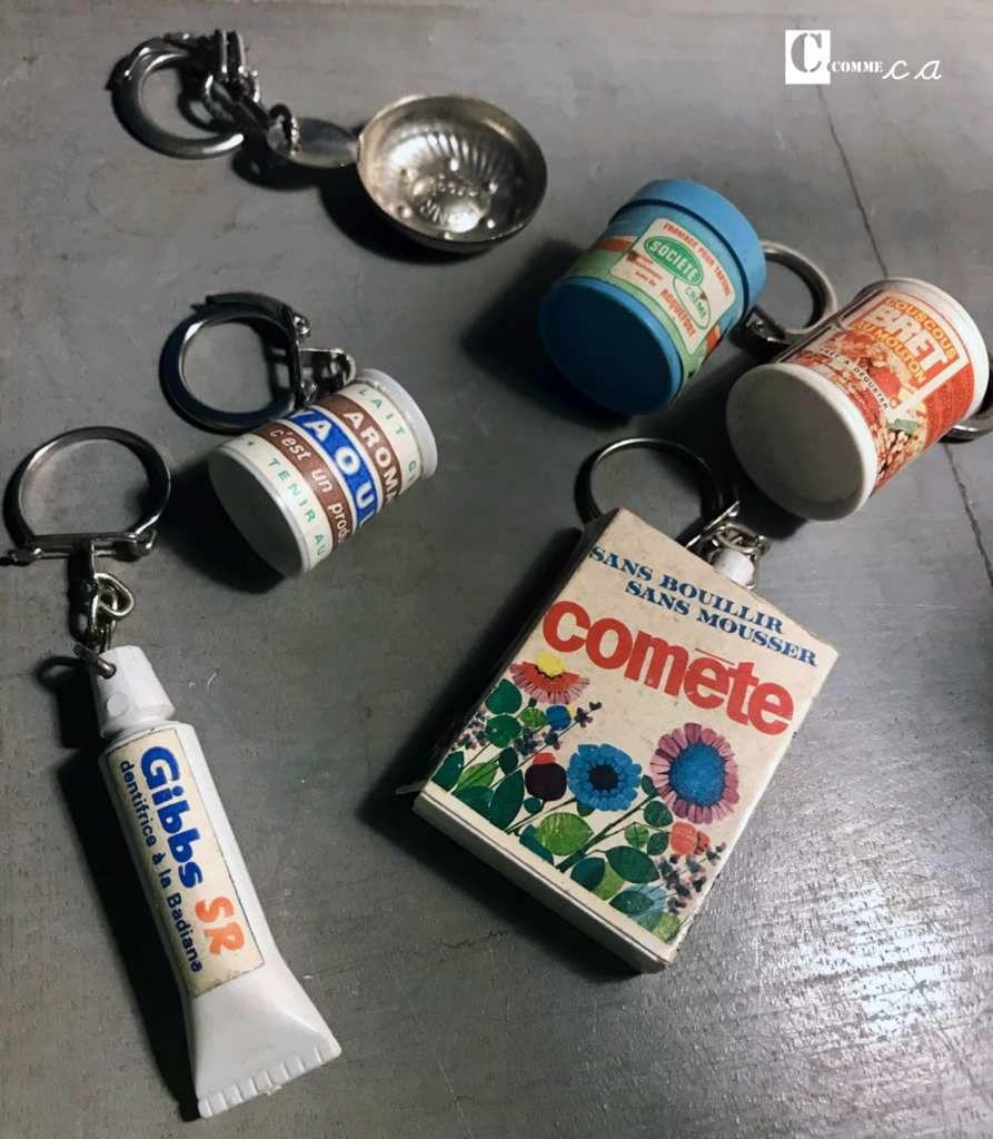 Retour de chine dimanche : j'ai aussi trouvé des cintres de couleur charmants et une boite en métal miniature