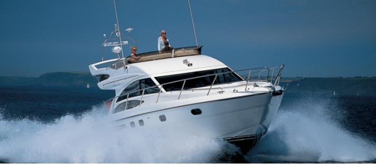 Luxury Yacht rental in Goa- Luxury Rental