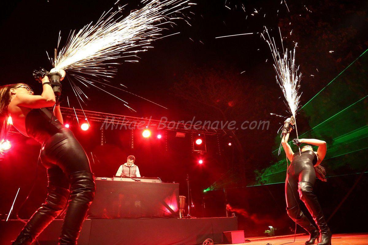 - Concert DJ Fanou aux Féria d'Azille en 2014