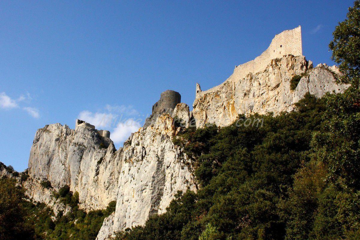 - Château de Peyrepertus dans l'Aude