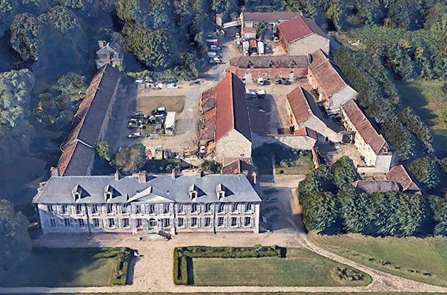Le château de Trousseau et sa ferme de nos jours à Ris-Orangis