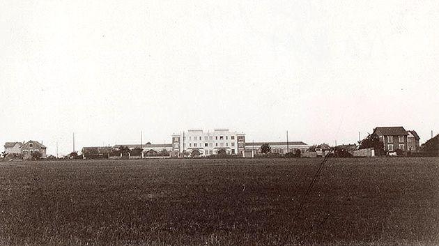 L'école du Domaine en plein champs