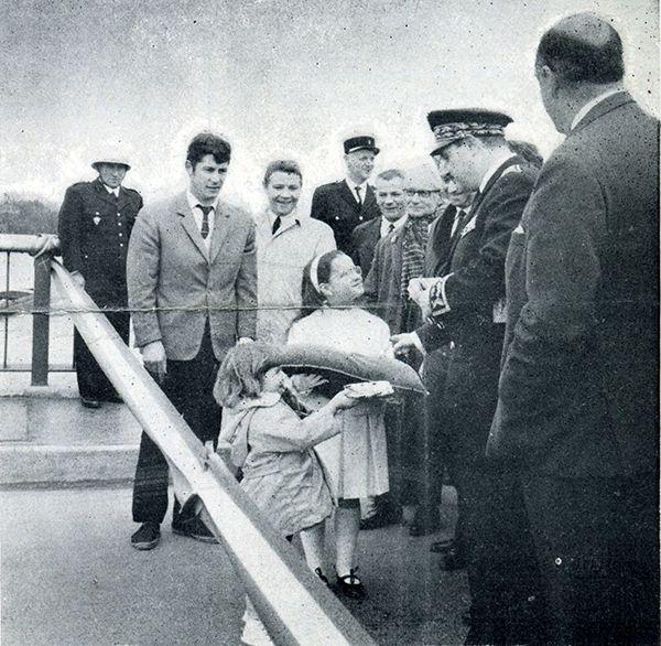 1966 - Inauguration du Pont de l'Amitié à Ris-Orangis - De dos à droite : M. Boscher