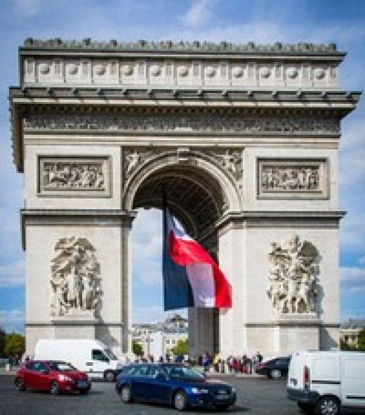 PETITION : Contre l'empaquetage de l'Arc de Triomphe par Christo !