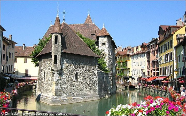 LE GRAND ANNECY