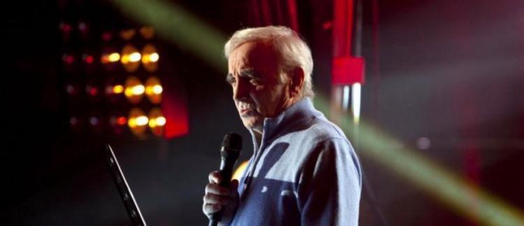 Cyril Hanouna rendra hommage à Charles Aznavour le 3 octobre sur C8