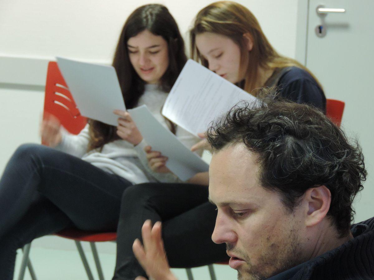 Approfondir la connaissance du texte écrit (par le groupe lui-même) est nécessaire si le jeu n'est pas une séance d'improvisation