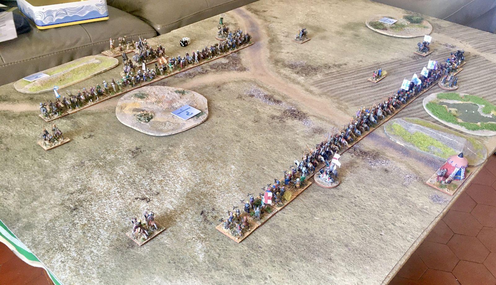 Le champ de bataille, les deux armées face-à-face.