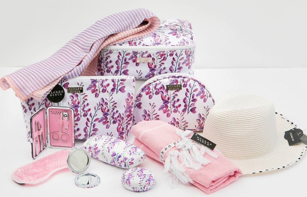 Best Toiletry Bag For Women In Australia