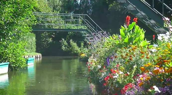 Balade en barque dans les hortillonnages d'Amiens