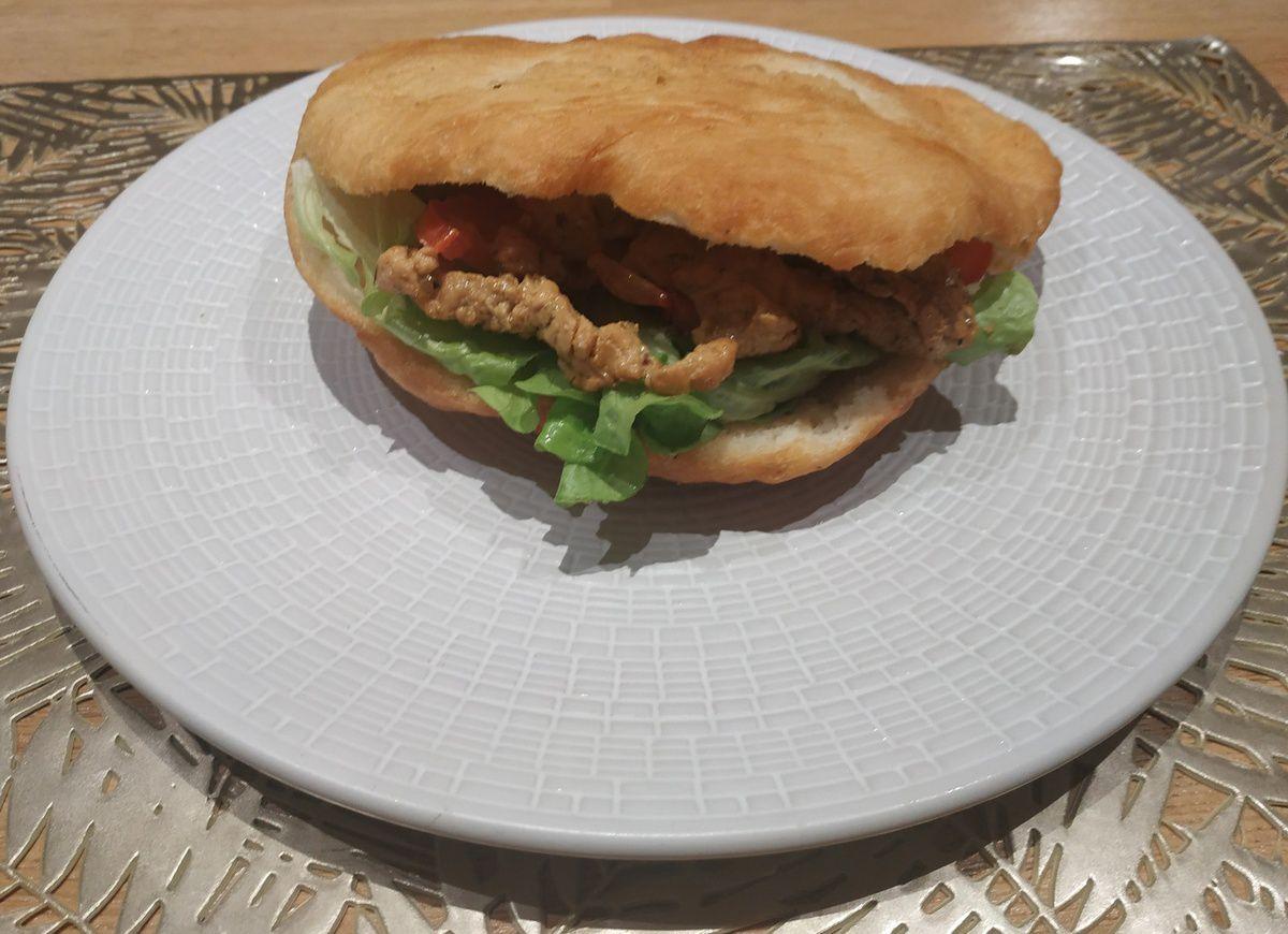 Bokit sandwich guadeloupéen