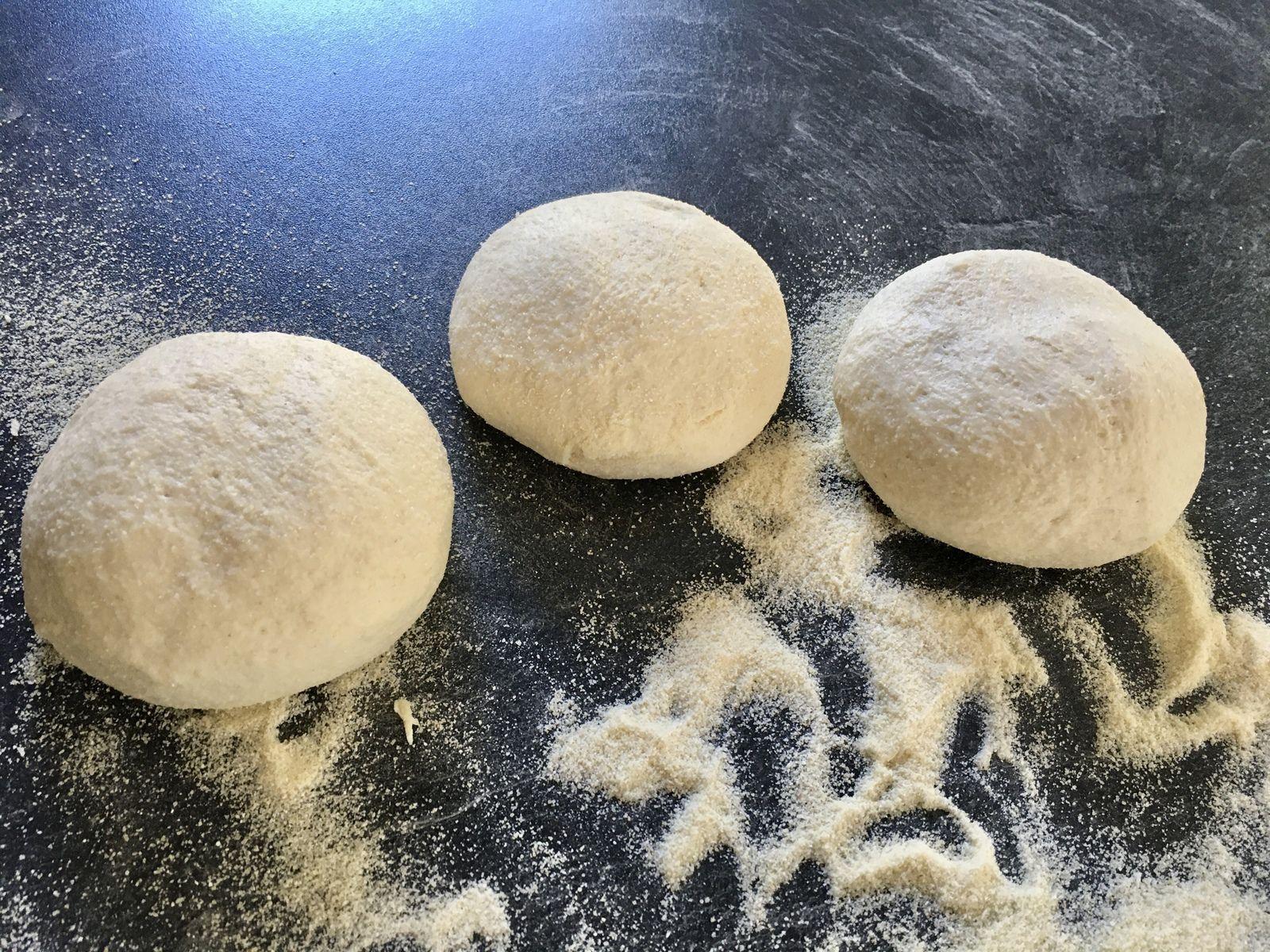 Batbout, pain marocain (pâte rapide et cuisson minute à la poêle)