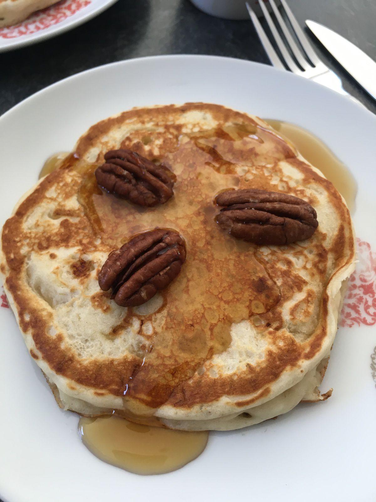 Pancakes vegan (sans oeufs et lait végétal) banane noix de pécan