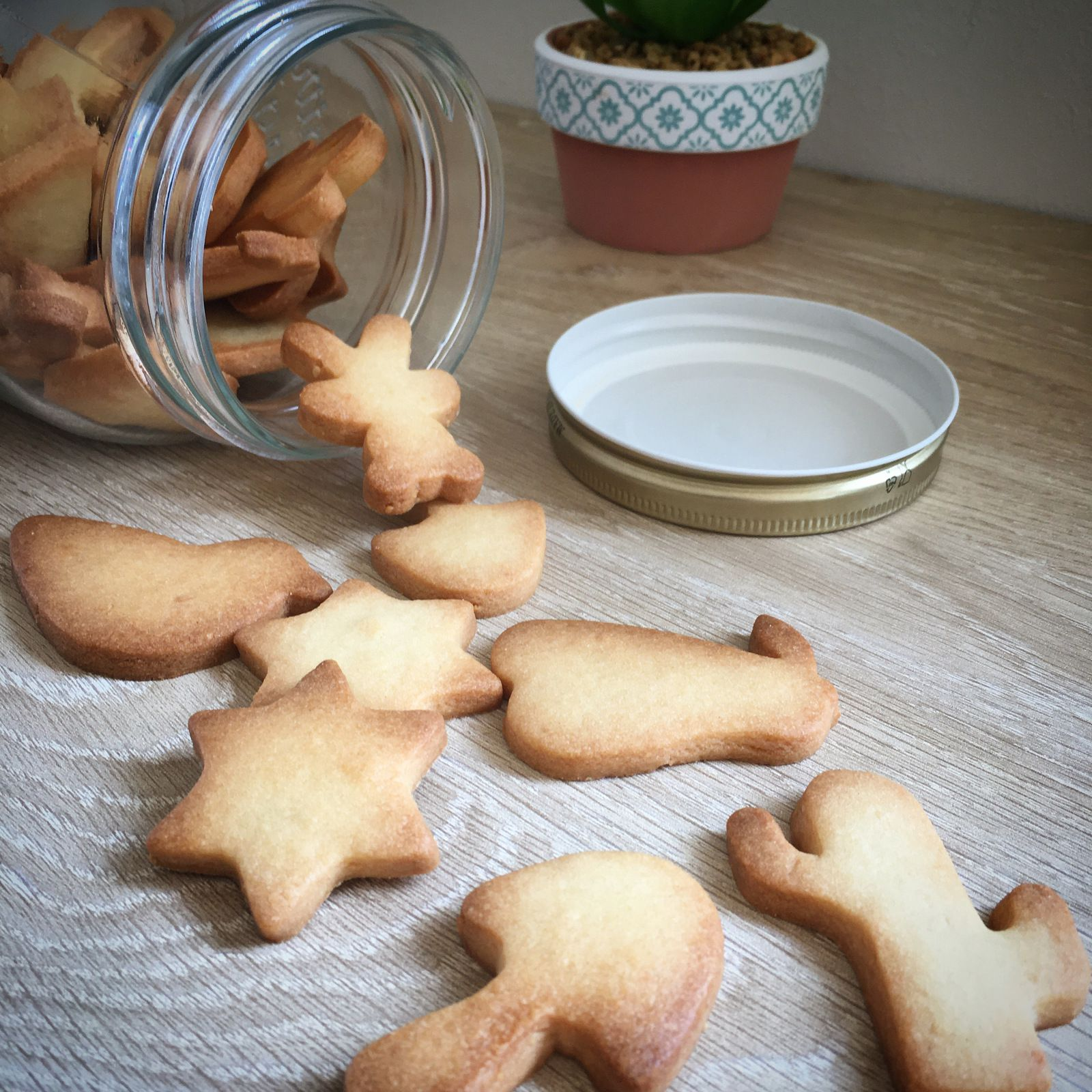 Pâte sucrée (pour petits biscuits ou fond de tarte)