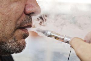La cigarette électronique aide vraiment à arrêter de fumer, selon une nouvelle étude