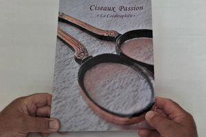 """Ciseaux """"Le livre de la Collection"""""""