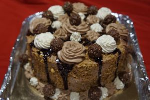 Layer cake Ferrrero Rochers