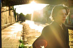 Benjamin Biolay, Poète du mois de décembre: sérieux, triste, ampoulé mais tellement grand!