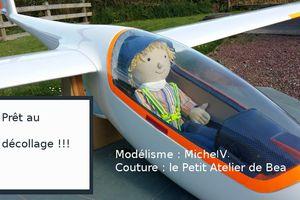 Modélisme : deux poupées...pilote d'avion !!!
