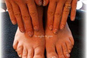 ensemble mains et pieds, naturels, en volutes noir et blanc
