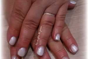 french babyboomer sur ongles courts (vs photo sur ongles longs!)