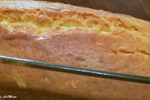 Cake à la façon de Pierre Hermé au sirop de liqueur de mirabelle et vanille