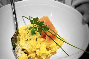 Oeufs brouillés au parmesan et saumon fumé - Battle Food #54
