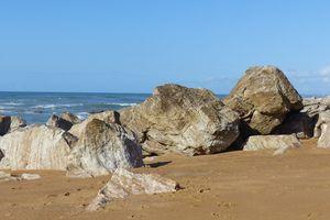 Promenade sur la plage de la Paracou aux Sables d'Olonne à Sauveterre à Olonne sur mer