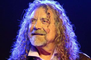 ZEP WIRE How old is Robert Plant, what's his net worth, when was the Led Zepplin star married to Maureen Wilson and what are his biggest albums?