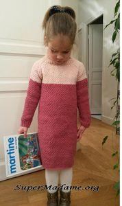Modèle gratuit de tricot facile : ultra simple, une robe à col roulé