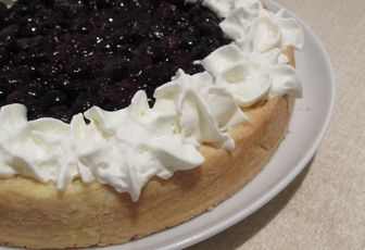 Tarte aux myrtilles, amande & chantilly