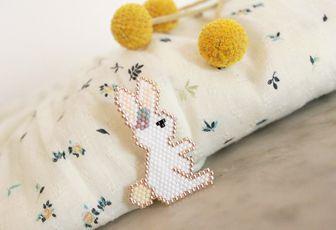 Petit lapin de Pâques en broche {brick stitch}