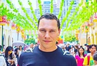 Tiësto nomé citoyen d'honneur par la ville de Breda !!  Tiësto has been named an honorary citizen of Breda !!