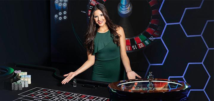 What are a casino and an online casino?