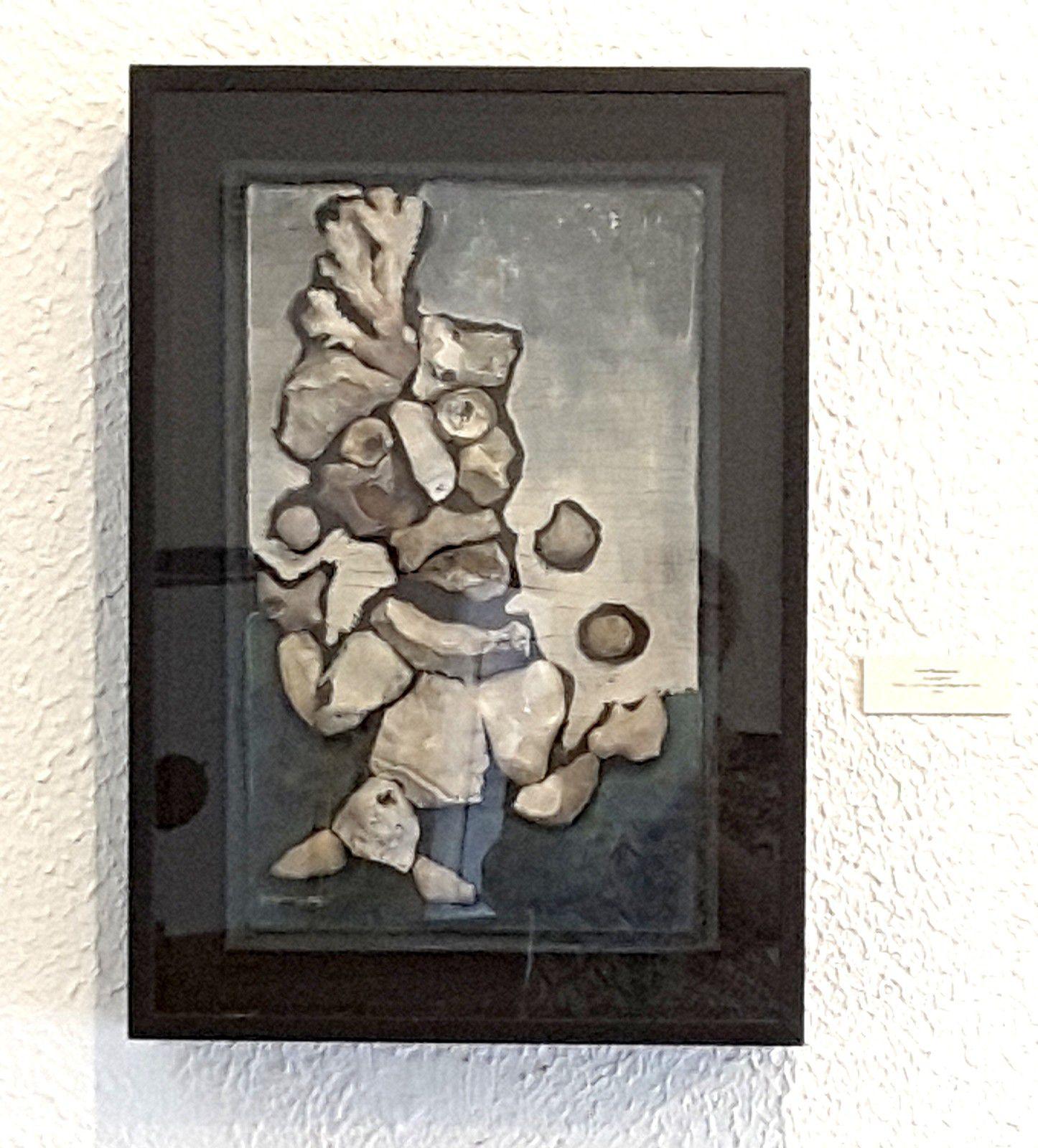 tableau réalisé avec des cailloux, Pierre Bettencourt, le jongleur.