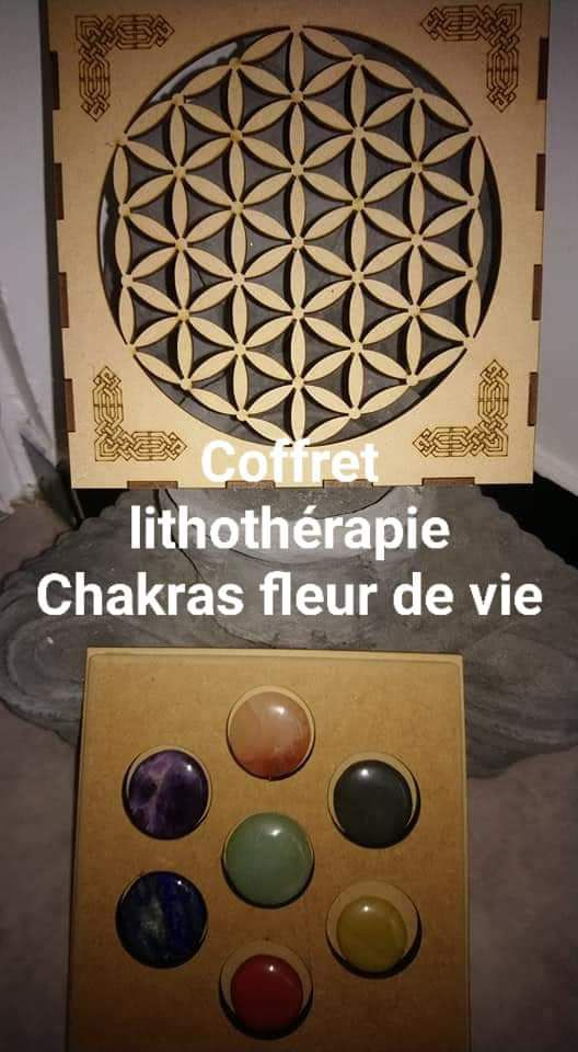 Coffret bois fleurs de vie 7 chakras litho-thérapie