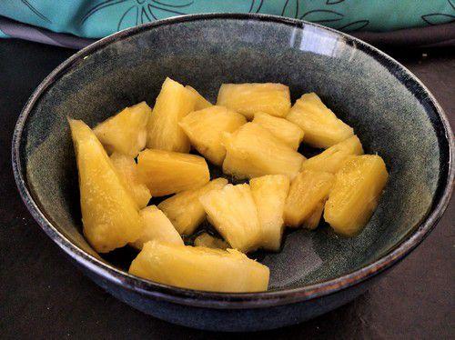 Ananas frais prêt à cuire
