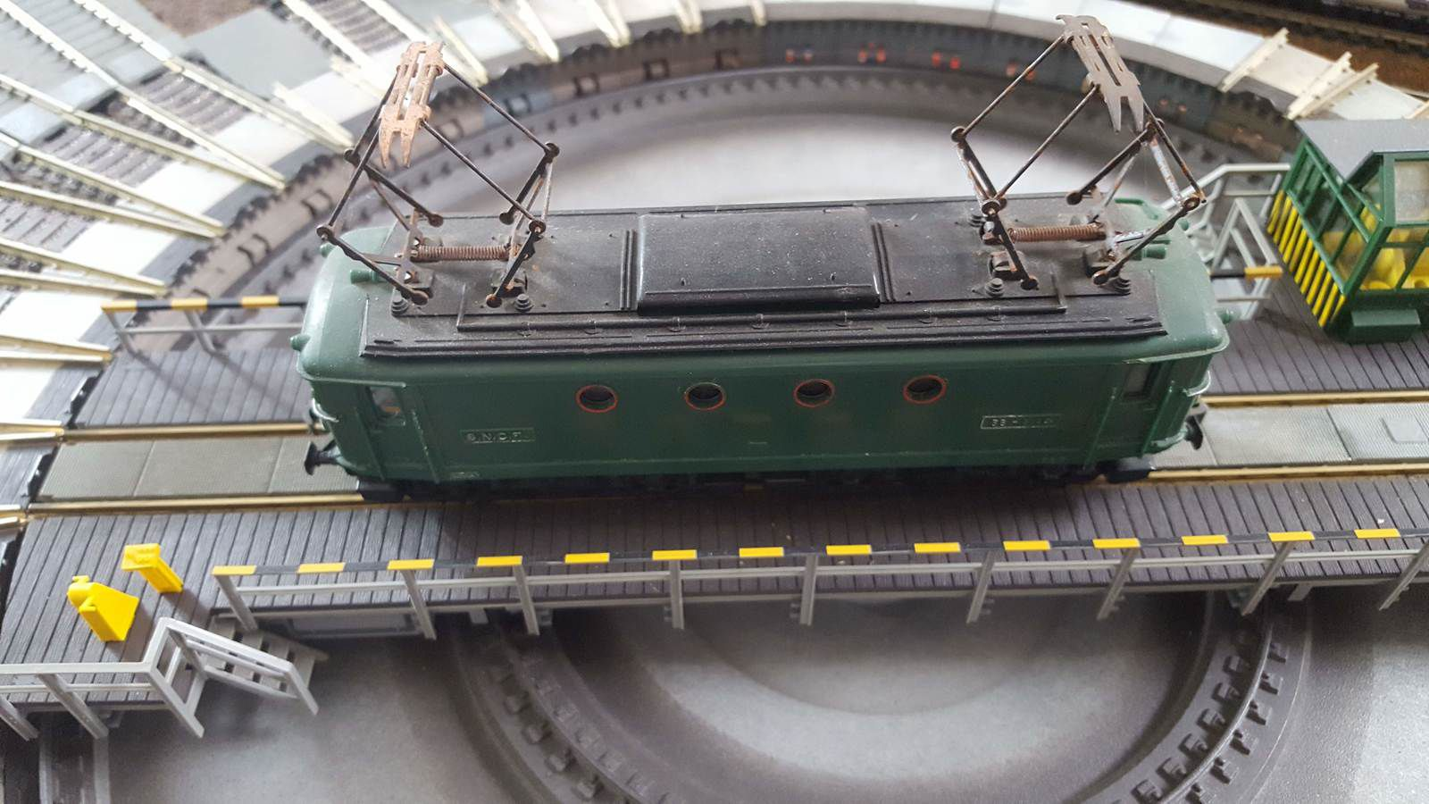 HORNBY ACCHO. TRI-ANG.