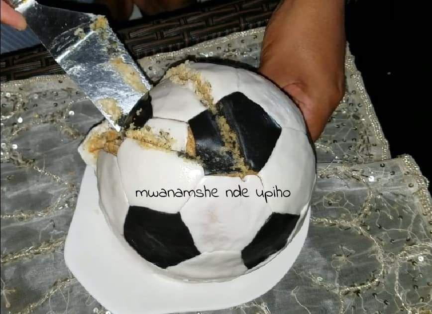 Gâteau ballon de foot et drapeau des Comores