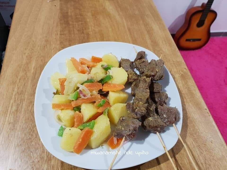 Légumes et brochettes de viande